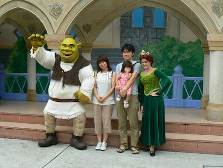 Universakl Studios: poze cu familia Shrek