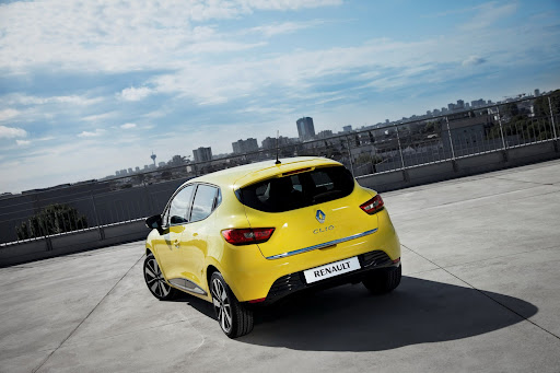 2013-Renault-Clio-Mk4-04.jpg