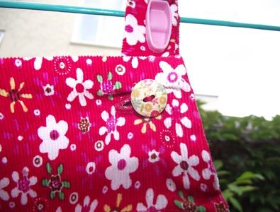 Dress_Button