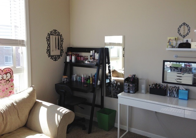 polish insomniac's beauty room - nail polish/makeup storage and organization