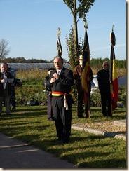 Inhuldiging van het monument ter nagedachtenis van een gesneuvelde Amerikaanse piloot tijdens W.O.II. Toespraak van Gerald Kindermans, burgemeester van Heers