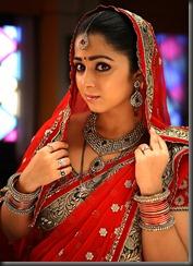 charmi_in_saree_beautiful_photos