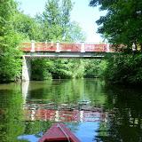 Flot gangbro henover åen ved Odense Zoo