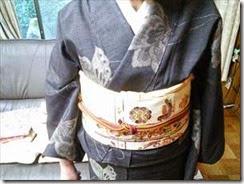 着物でカラオケの会にご出席 (3)