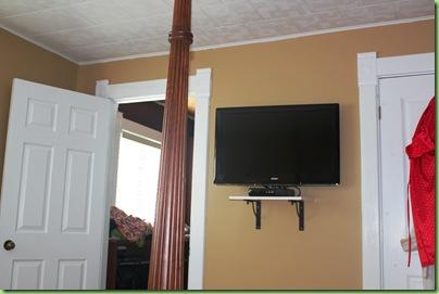 Master bedroom 009