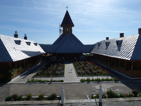 Biserici Romania: manastirea Sf Ana Orsova Mehedinti