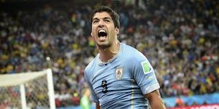 Uruguay  – Suarez : « Je bute contre son épaule »
