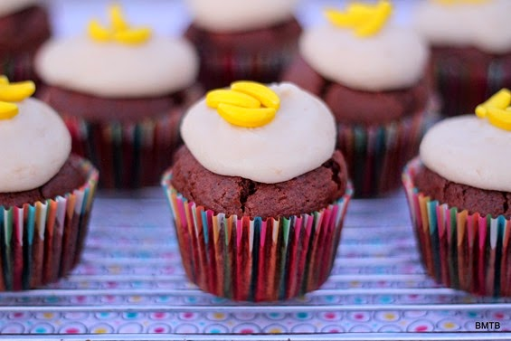 Chocolate and Chunky Banana Cupcakes  - recipe by Baking Makes Things Better