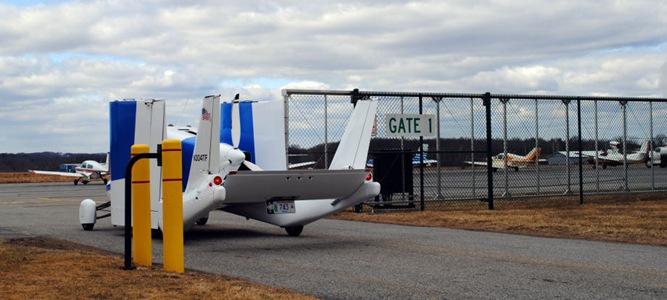 Mobil Terbang Masuk Bandara