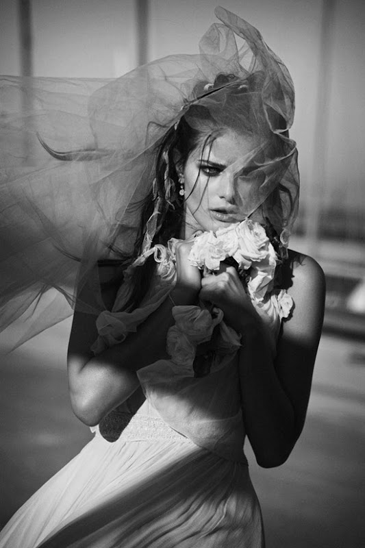 vogue paris april2012 isabeli fontana peter lindbergh 1