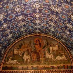 37 - Mosaico y pinturas en el Mausoleo de Gala Placidia