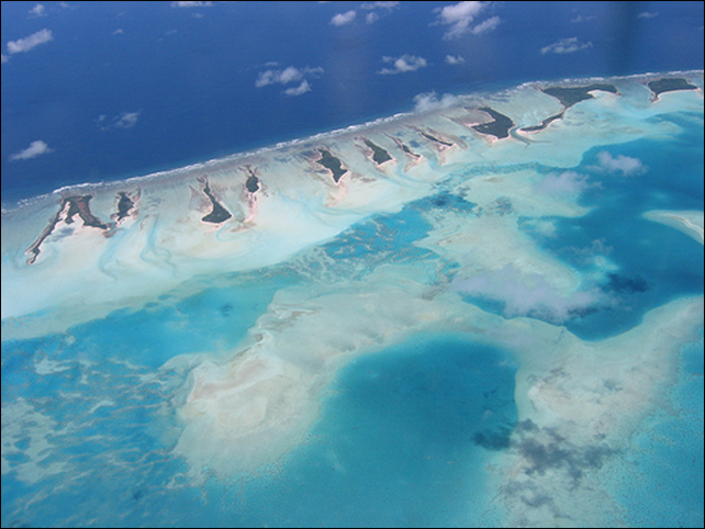 Aerial view of the island nation of Kiribati. Photo: trendsupdates.com