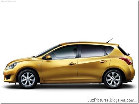 Nissan Tiida3