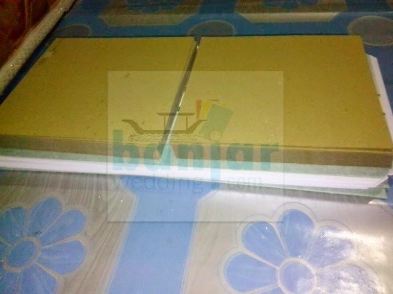 cara membuat undangan hard cover_09.JPG
