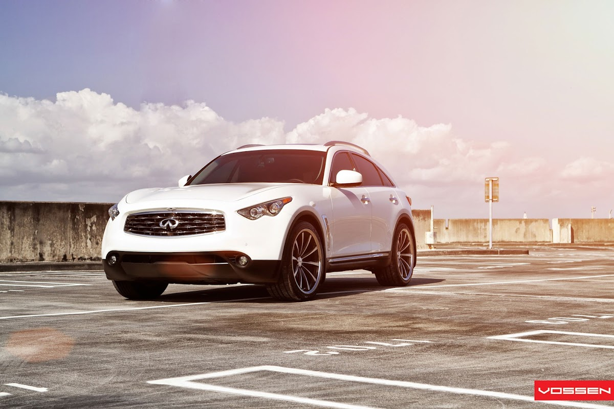 This heavily modded infiniti fx comes from russia with love vossen infiniti fx 10 vanachro Image collections