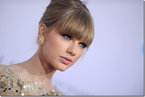 Taylor Swift American Music Awards 2012 odaG9u6_hb9l