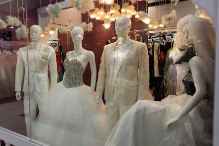 Jiangnan wedding street bargain hunting in china for Guangzhou wedding dress market