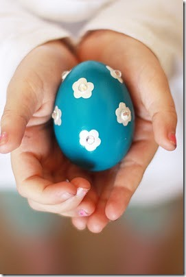 decorate easter eggs