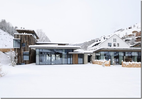 Wiesergut-Hotel-by-Gogl-Partners-Architekten-Hinterglemm-45