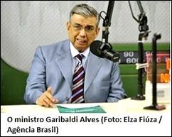 INSS - Ministro Garibaldi fala sobre concurso 2011 em programa de rádio 2