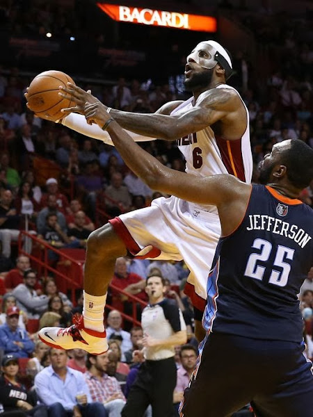 lebron james nba 140303 mia vs cha 01 LeBron James Scores Career high 61 points Wearing Soldier 7 PE
