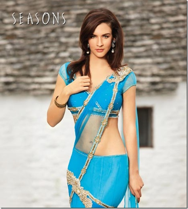 Neha_Dalvi_Blue_Saree