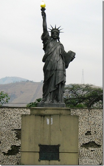 Vila-Kennedy-estatua