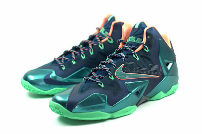 lebron11 akron vs miami 06 web white The Showcase: Nike LeBron XI Akron versus Miami. Part One.