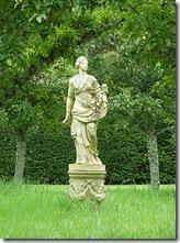 portmore statue in orchard