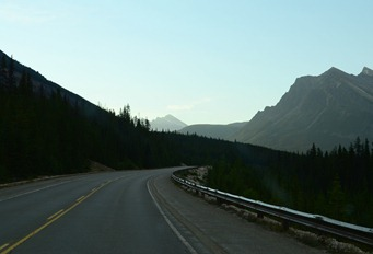 highest point on the Icefield Parkway