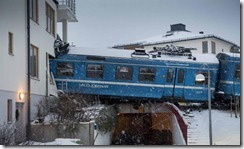 Keretapi Langgar Rumah Selepas Dipandu Oleh Tukang Cuci-01