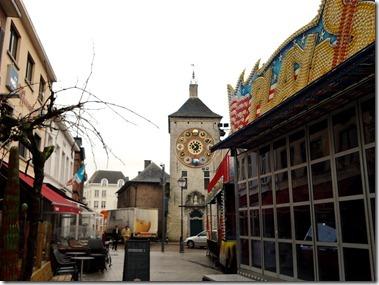 ジンメルの塔(時計台)前の広場もケルミス