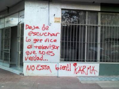 pintadas en el frente del canal municipal de Chacabuco 2013