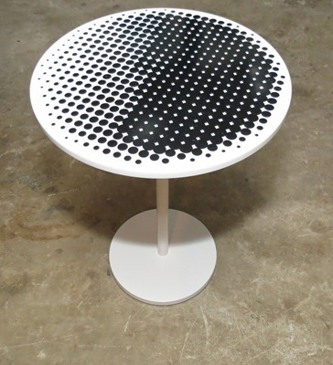 1-Spraypaint-side-table (1)