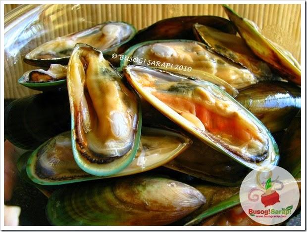 TAHONG (Mussels) © BUSOG! SARAP! 2010