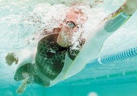 como perder barriga com natação