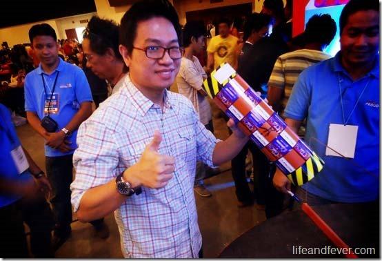 Stanley Chi tries Hataw Challenge