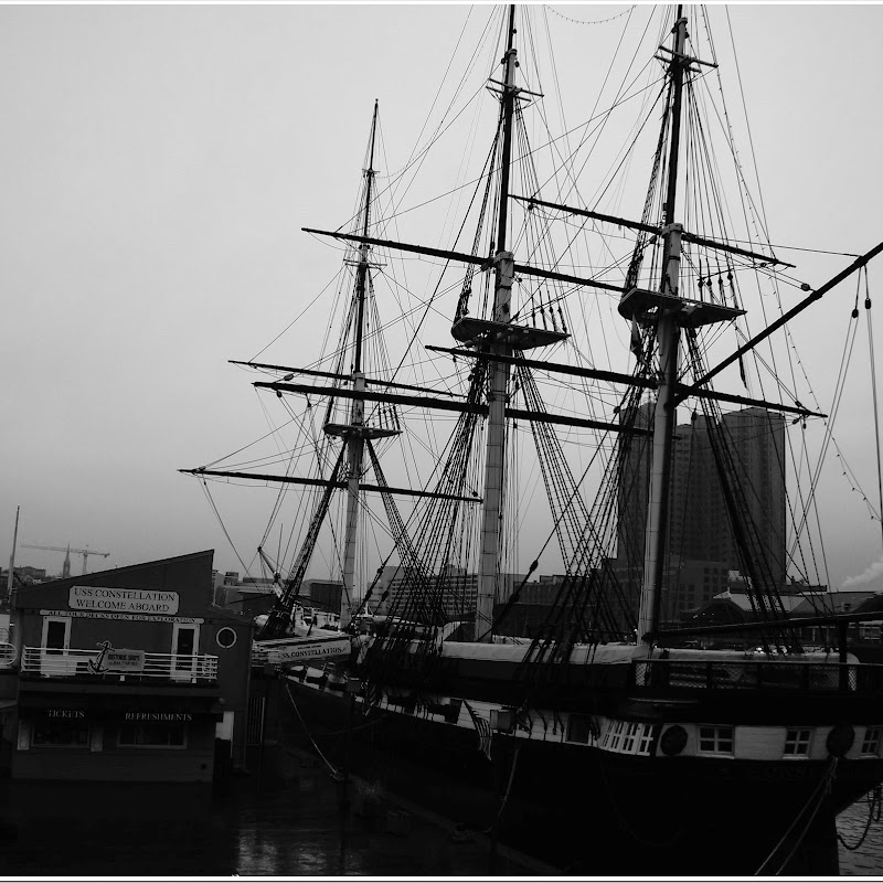 8 free pictures of the USS Constellation 2754-2761