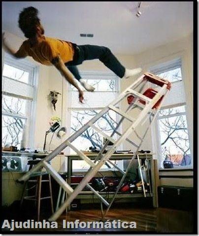 caindo escada