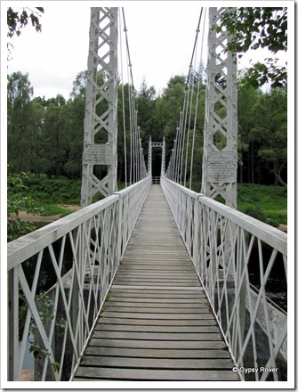 Canbus O'May suspension bridge.