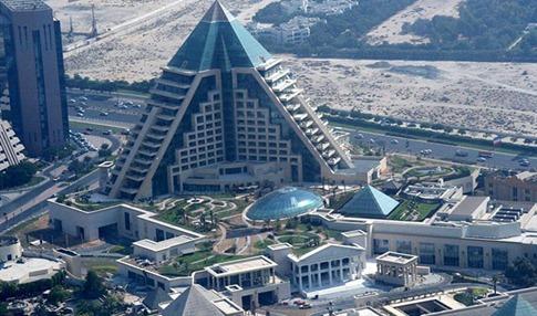 64. Raffles Dubai en la ciudad de Wafi (Dubai, Emiratos Árabes Unidos)
