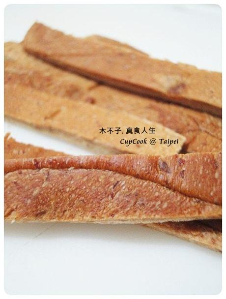 吐司邊 crust (12)