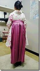 さくら色の袴姿で卒業式に (1)
