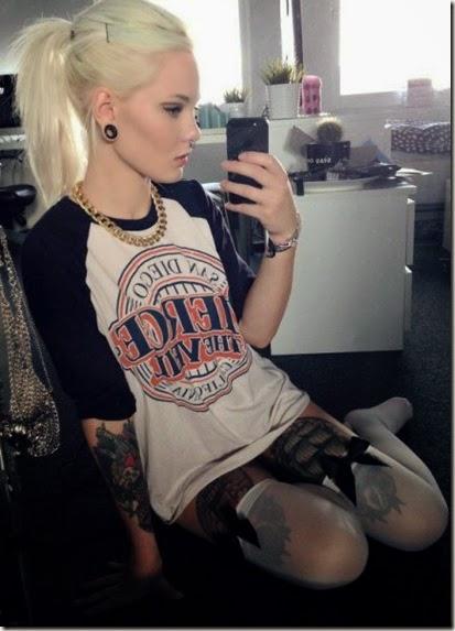 hot-tattoo-women-020