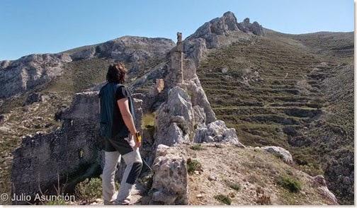 En lo más alto del Castillo de Benissili - Vall de Gallinera