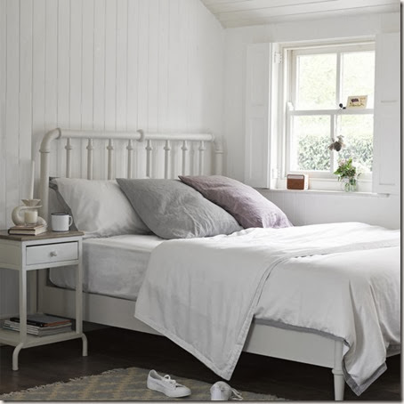235992-scrunch-cushions-in-light-grey-and-dusty-pink-on-bobbin-bed