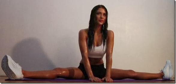 girls-stretching-yoga-029