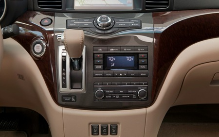 2013 Nissan Quest interior center stack