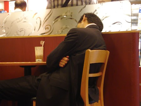 05. Dormind in restaurant.JPG