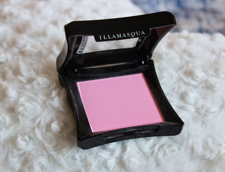 illamasqua blush in tremble
